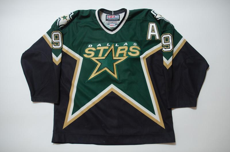 stars-9-modano_1